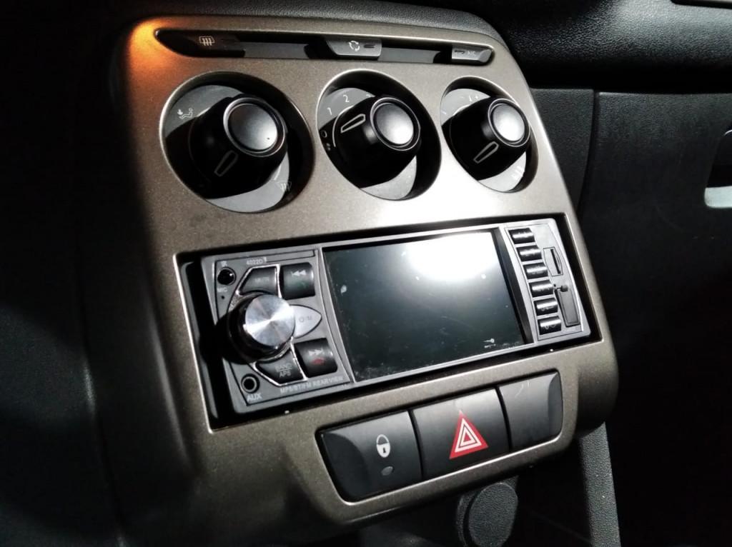 Imagem do veículo CITROËN AIRCROSS TENDANCE 1.6 FLEX 4P AUTOMÁTICO - 2015 - PRETA
