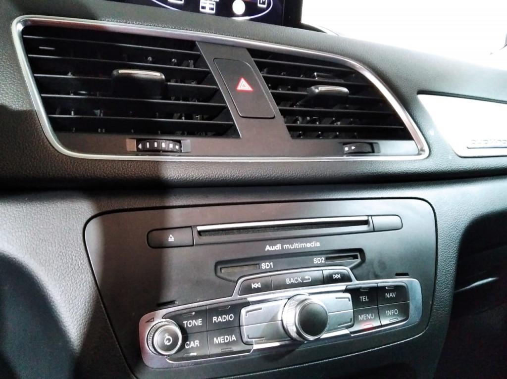 Imagem do veículo AUDI Q3 AMBIENTE QUATTRO 2.0 TFSI 4P GASOLINA S-TRONIC - 2016 - MARROM