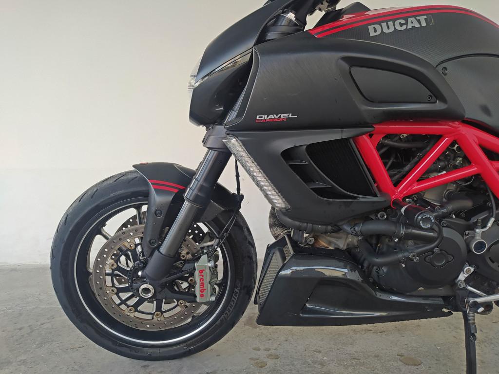 Imagem do veículo DUCATI Diavel 1198 Carbon