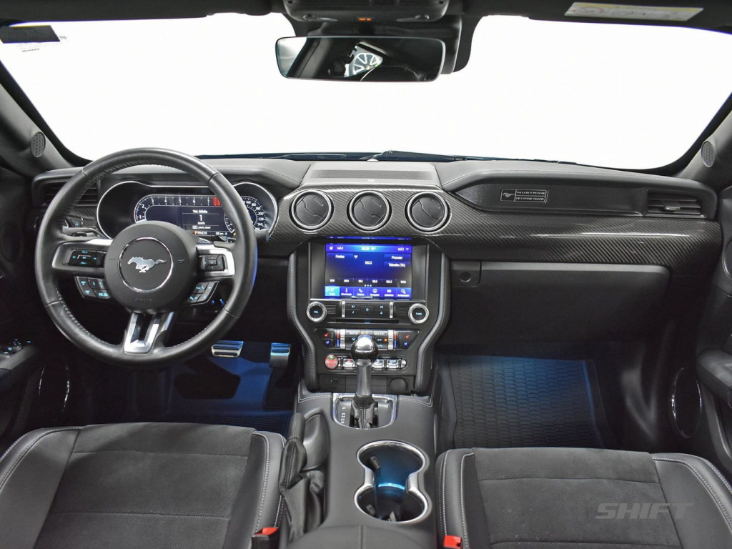 Imagem do veículo FORD MUSTANG 5.0 V8 TI-CVT GASOLINA BLACK SHADOW SELECTSHIFT 2020