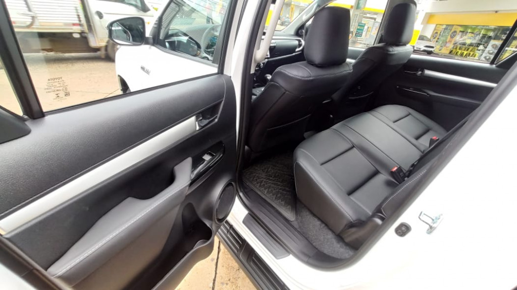 Imagem do veículo TOYOTA HILUX 2.8 SR 4X4 CD 16V DIESEL 4P AUTOMÁTICO