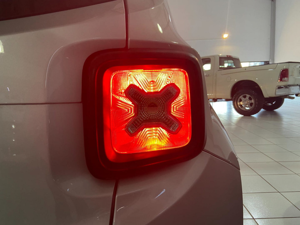 Imagem do veículo RENEGADE 1.8 LONGITUDE (AUTO) (FLEX)