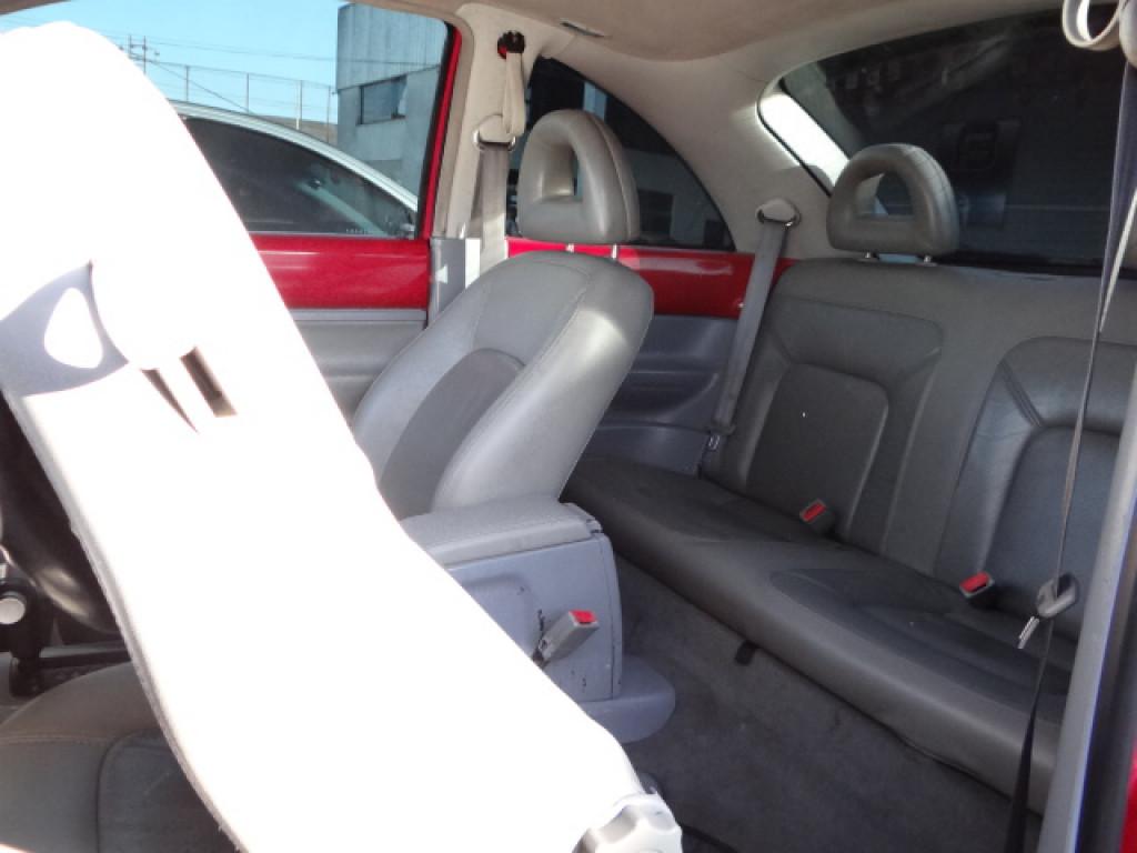 Imagem do veículo NEW BEETLE 2.0 mi 8v gasolina 2p automatico