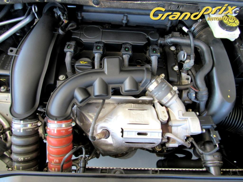 Imagem do veículo 308 2017 1.6 GRIFFE THP 16V FLEX 4P AUTOMÁTICO BRANCO COMPLETO + TETO SOLAR  ÚNICO DONO!