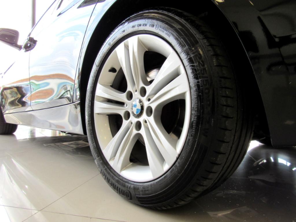 Imagem do veículo BMW 320i 2016 2.0 SPORT 16V TURBO ACTIVE FLEX 4P AUTOMÁTICO
