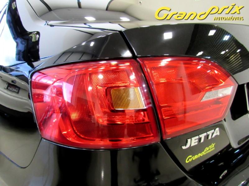 Imagem do veículo JETTA COMFORTLINE 2013 2.0 FLEX TIPTRONIC PRETO COMPLETO + TETO SOLAR ÚNICO DONO!