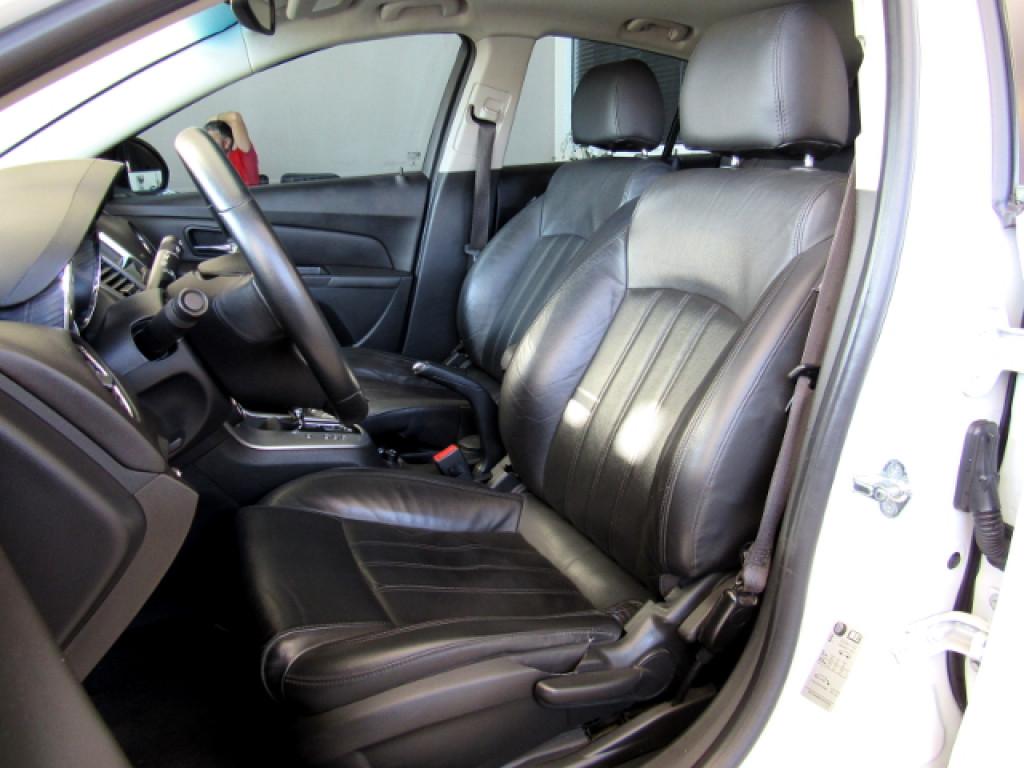 Imagem do veículo CRUZE HATCH 2013 1.8 LTZ SPORT6 16v FLEX 4P AUTOMÁTICO BRANCO COMPLETO + TETO SOLAR!