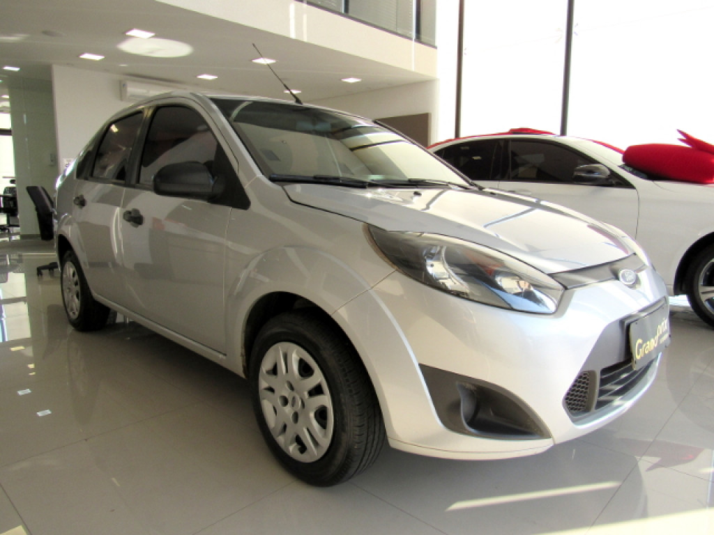 FIESTA 2012 1.6 MPI CLASS SEDAN 8V FLEX 4P MANUAL PRATA COMPLETO!