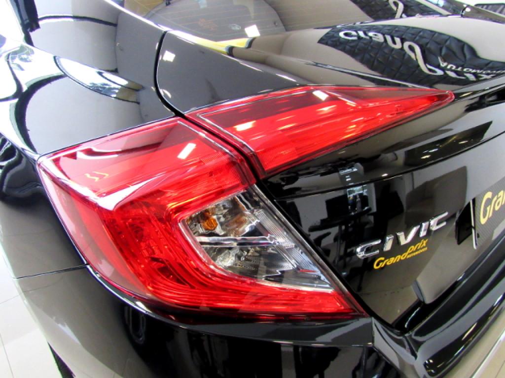 Imagem do veículo HONDA CIVIC 2020 2.0 16V FLEXONE LX 4P CVT PRETO COMPLETO C/ APENAS 2.000 KM!