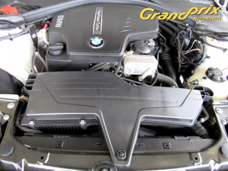 Imagem do veículo BMW 320i 2013 2.0 16V TURBO GASOLINA 4P AUTOMÁTICA BRANCA COMPLETA ÚNICO DONO!