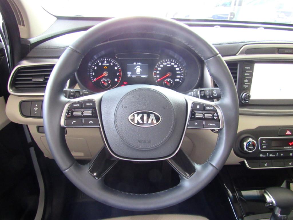Imagem do veículo KIA SORENTO 2019 3.5 V6 GASOLINA EX 7 LUGARES 4WD AUTOMÁTICA BRANCA COMPLETA + TETO SOLAR!