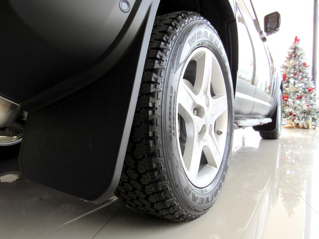 Imagem do veículo DEFENDER 2020 2.0 P300 GASOLINA 110 SE AWD AUTOMÁTICA 7 LUGARES TOP DE LINHA ZERO KM!