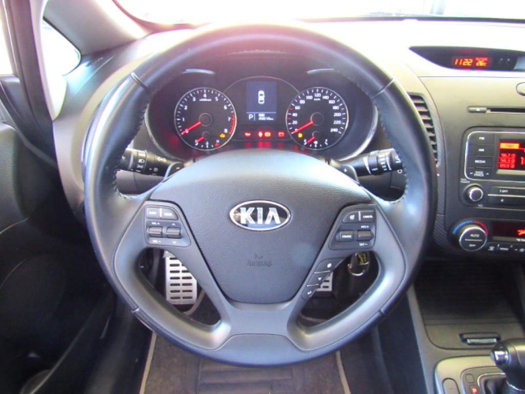 Imagem do veículo KIA CERATO 2015  1.6 SX 16V FLEX 4P AUTOMÁTICO PRATA COMPLETO + BANCOS EM COURO ÚNICO DONO!