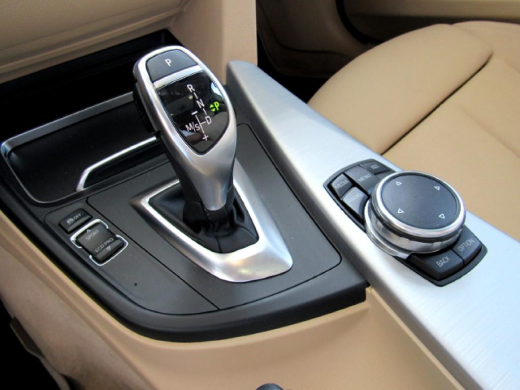 Imagem do veículo BMW 328i 2017 2.0 SPORT GP 16V ACTIVEFLEX 4P AUTOMÁTICA PRETA TOP DE LINHA + TETO SOLAR!