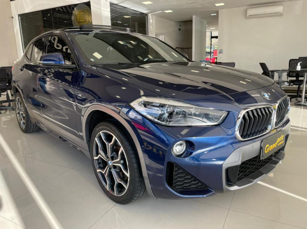 BMW X2 2018 2.0 16V TURBO GASOLINA SDRIVE20I M SPORT X STEPTRONIC AZUL COMPLETA + TETO SOLAR!