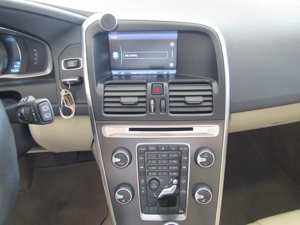 Imagem do veículo VOLVO XC60 2014 3.0 T6 TOP AWD TURBO GASOLINA 4P AUTOMÁTICA BRANCA COMPLETA + TETO SOLAR!