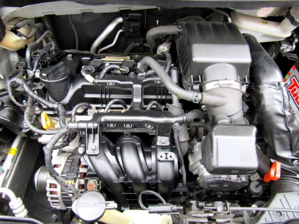 Imagem do veículo KIA PICANTO 2014 1.0 EX 12V FLEX 4P AUTOMÁTICO PRATA COMPLETO TOP DE LINHA!