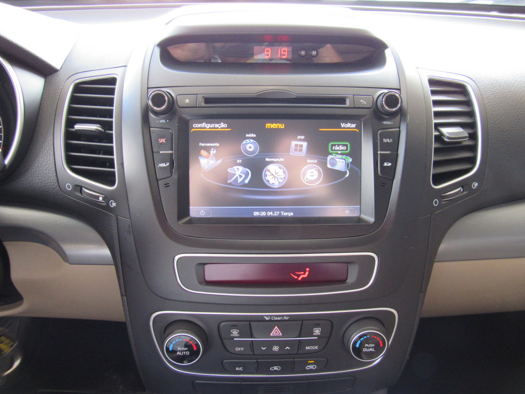 Imagem do veículo KIA SORENTO 2014 2.4 16V GASOLINA EX 4WD AUTOMÁTICA BRANCA COMPLETA + BANCOS EM COURO!