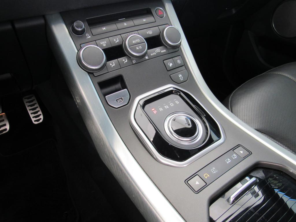 Imagem do veículo EVOQUE 2018 2.0 HSE DYNAMIC 4WD 16V GASOLINA 4P AUTOMÁTICA PRETA COMPLETA + TETO SOLAR!