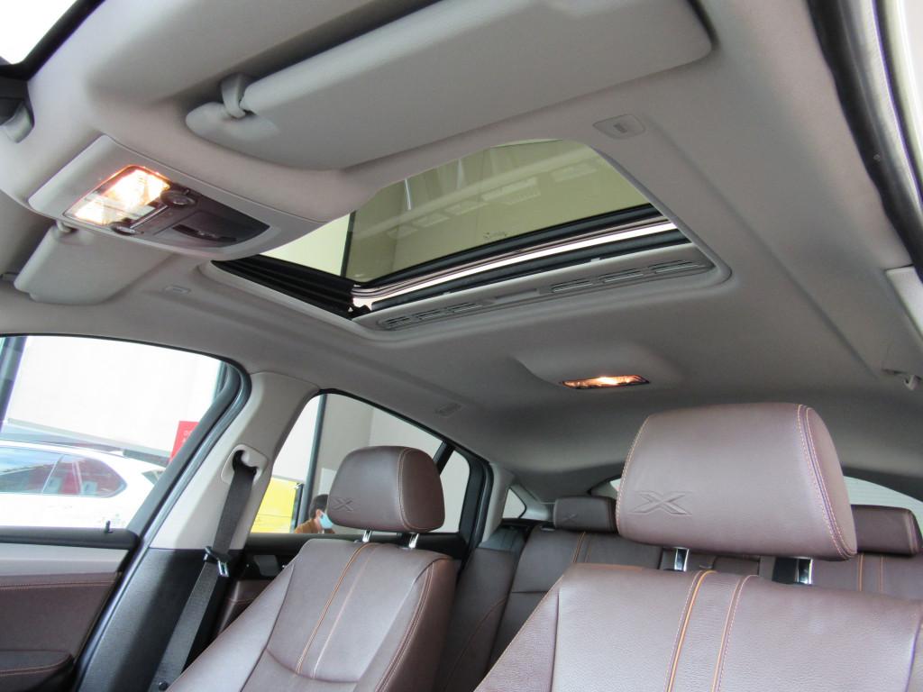 Imagem do veículo BMW X4 2015 2.0 28I X LINE 4X4 16V TURBO GASOLINA 4P AUTOMÁTICO BRANCA COMPLETA + TETO SOLAR!