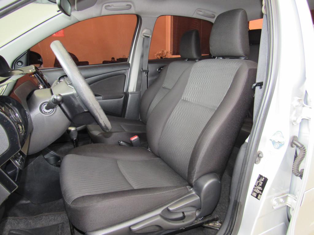 Imagem do veículo ETIOS 2017 1.5 X SEDAN 16V FLEX 4P AUTOMÁTICO PRATA COMPLETO ÚNICO DONO!