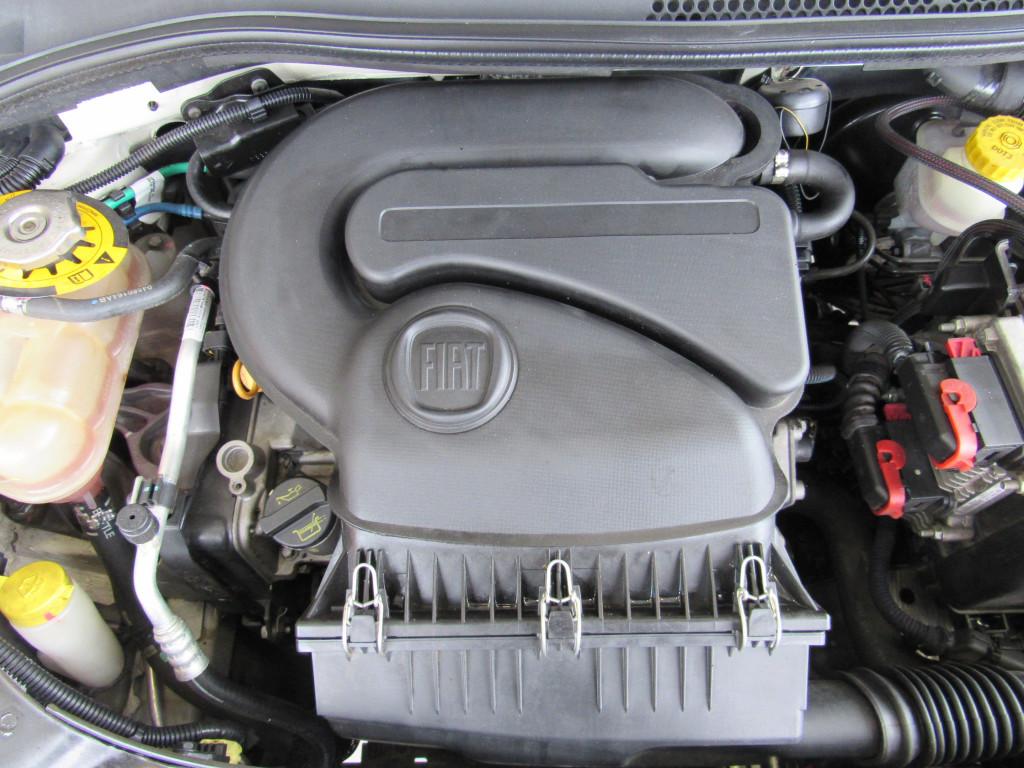 Imagem do veículo FIAT 500 2015 1.4 CULT 8V FLEX 2P AUTOMATIZADO BRANCO COMPLETO ÚNICO DONO
