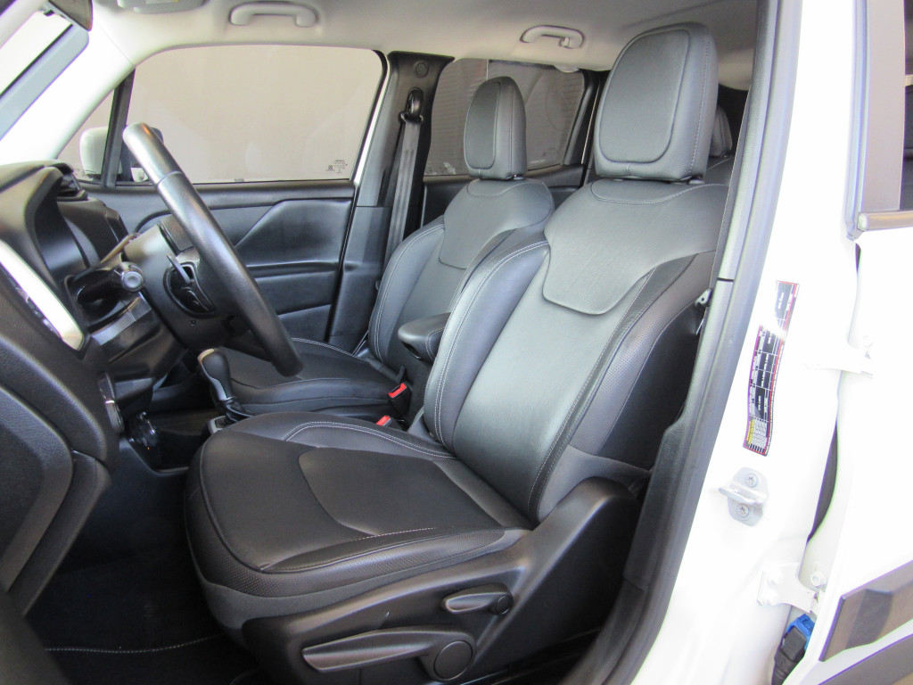 Imagem do veículo JEEP RENEGADE 2019 2.0 16V TURBO DIESEL LONGITUDE 4P 4X4 AUTOMÁTICA BRANCA COMPLETA ÚNICO DONO