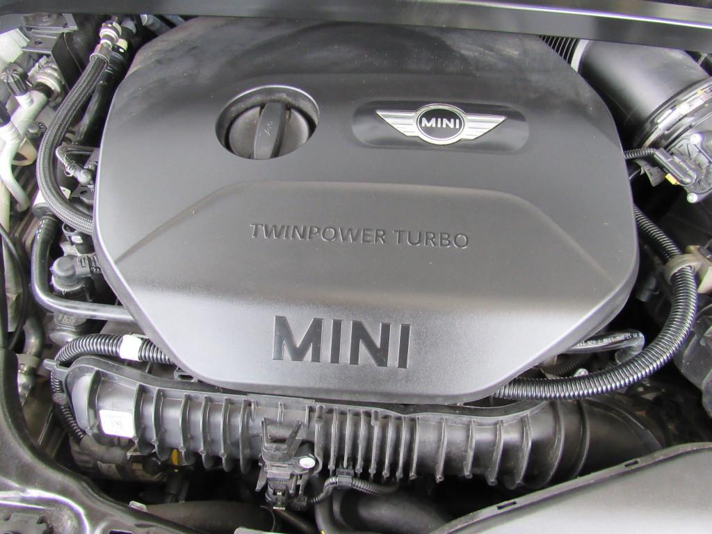 Imagem do veículo MINI COUNTRYMAN 2018 2.0 16V TWINPOWER TURBO GASOLINA COOPER S STEPTRONIC BRANCO COMPLETO + TETO SOLAR ÚNICO DONO!
