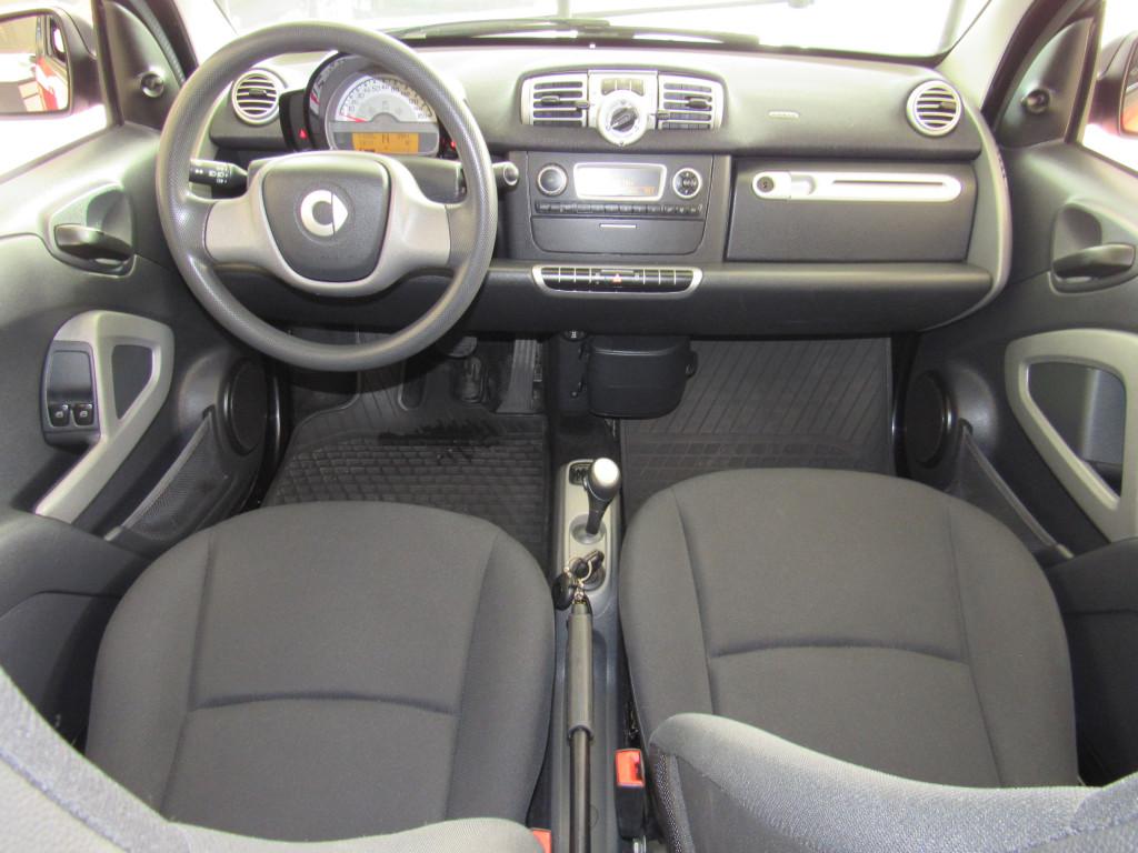 Imagem do veículo SMART FORTWO 2011 1.0 MHD COUPÉ 3 CILINDROS 12V GASOLINA 2P AUTOMÁTICO VERMELHO COMPLETO ÚNICO DONO!