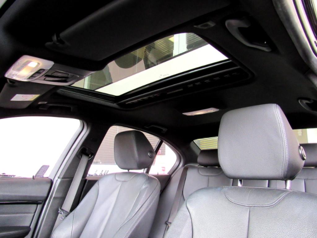 Imagem do veículo BMW 328i 2017 2.0 M SPORT 16V ACTIVEFLEX 4P AUTOMÁTICA PRETA COMPLETA + TETO SOLAR!