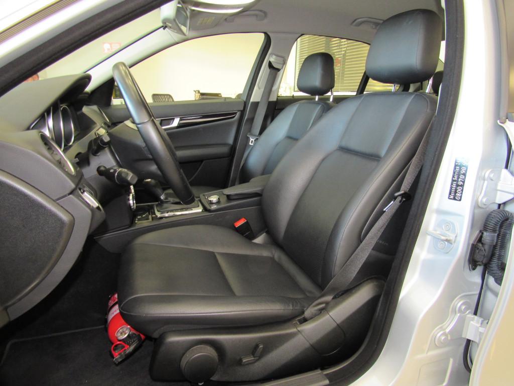 Imagem do veículo MERCEDES-BENZ C 180 2012 1.8 CGI CLASSIC 16V GASOLINA 4P AUTOMÁTICA PRATA COMPLETA TOP DE LINHA!