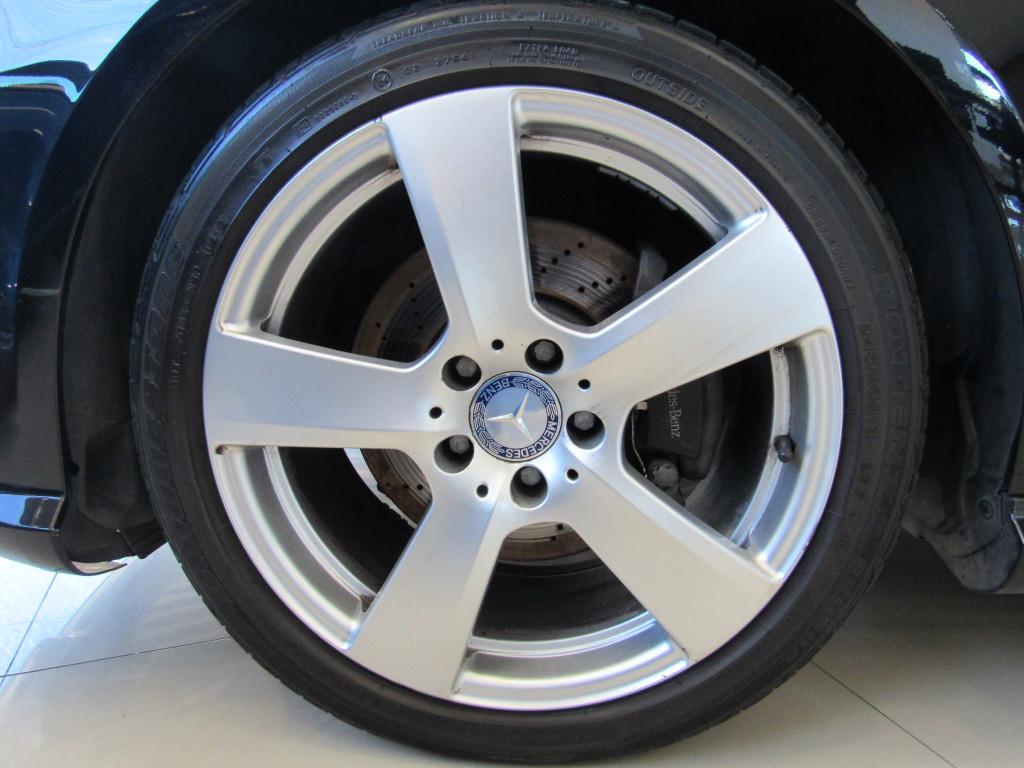 Imagem do veículo MERCEDES-BENZ E 250  2013 1.8 CGI AVANTGARDE 16V GASOLINA 4P AUTOMÁTICA PRETA COMPLETA ÚNICO DONO!
