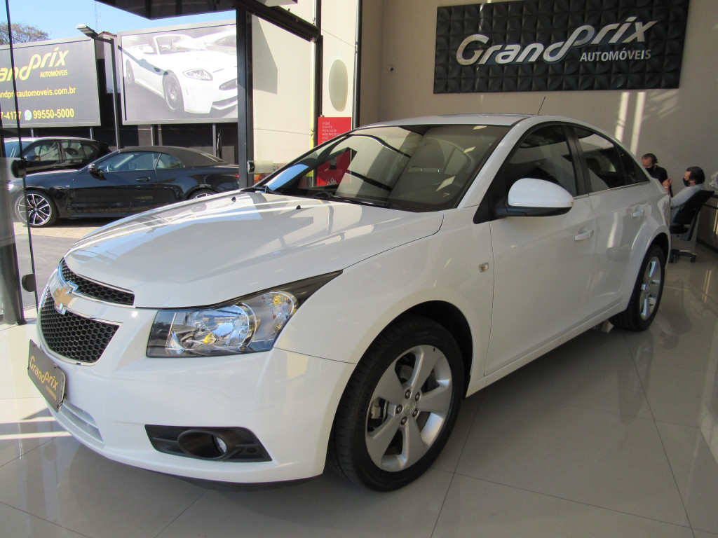 Imagem do veículo CRUZE 2013 1.8 LT 16V FLEX 4P AUTOMÁTICO BRANCO COMPLETO - BANCOS EM COURO!!