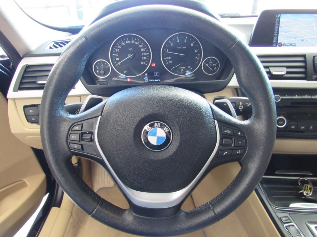 Imagem do veículo BMW 320i 2015 2.0 GP 16V TURBO ACTIVE FLEX 4P AUTOMÁTICO PRETA COMPLETA - BANCOS EM COURO!