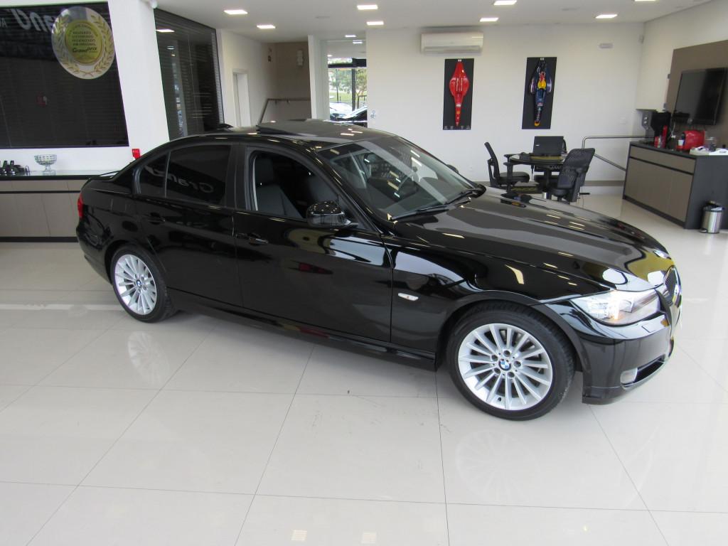 Imagem do veículo BMW 320i 2011 2.0 TOP 16V GASOLINA 4P AUTOMÁTICA PRETA COMPLETA + TETO SOLAR!