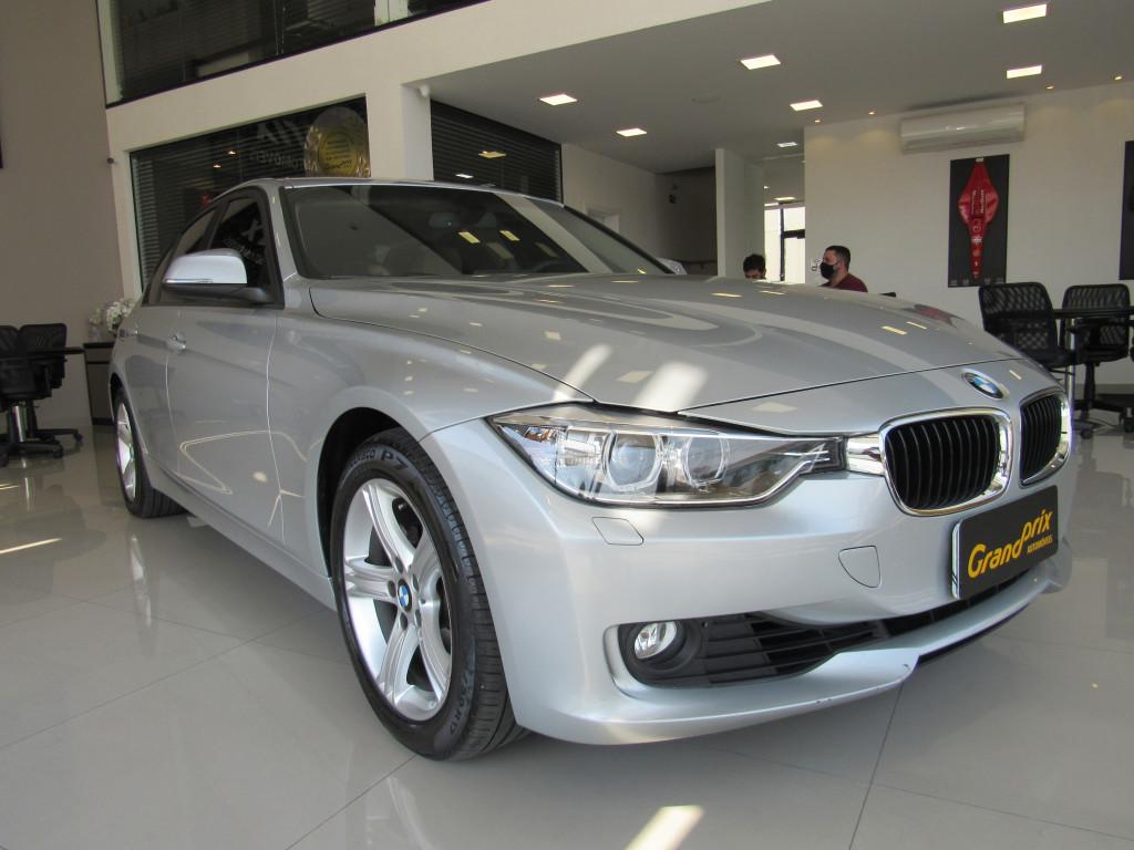 BMW 320i 2014 2.0 16V GASOLINA 4P AUTOMÁTICA PRATA COMPLETA COM APENAS 24.000 KM!