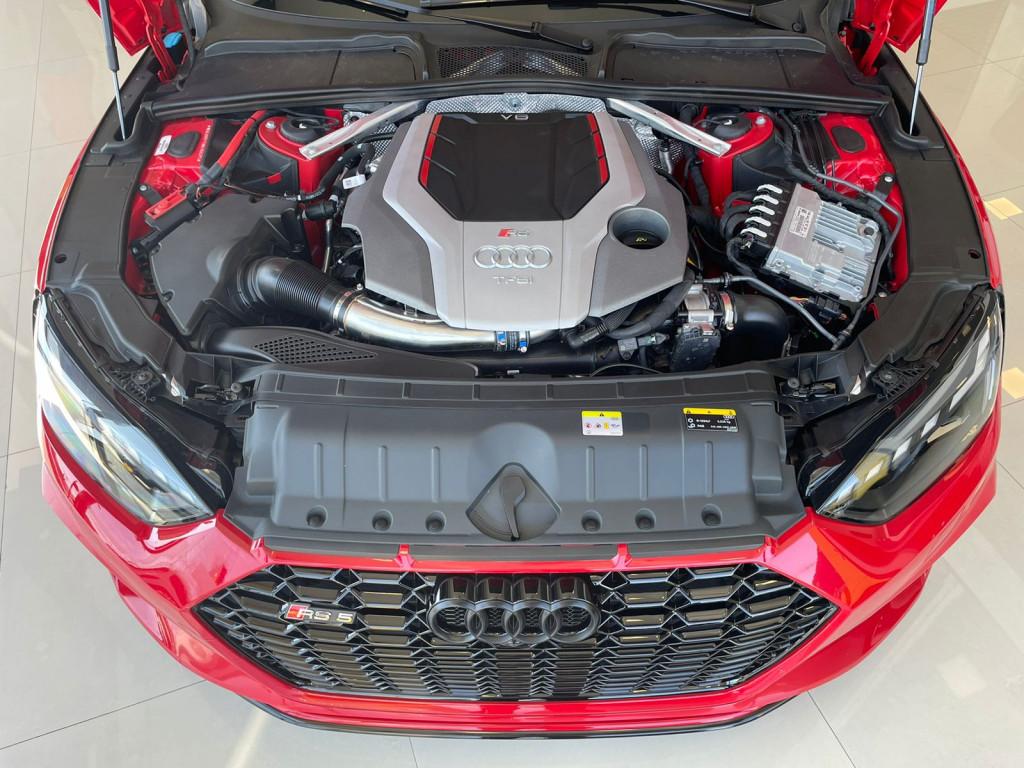 Imagem do veículo AUDI RS5 2021 2.9 V6 TFSI GASOLINA SPORTBACK QUATTRO S-TRONIC COM APENAS  2.400 KM