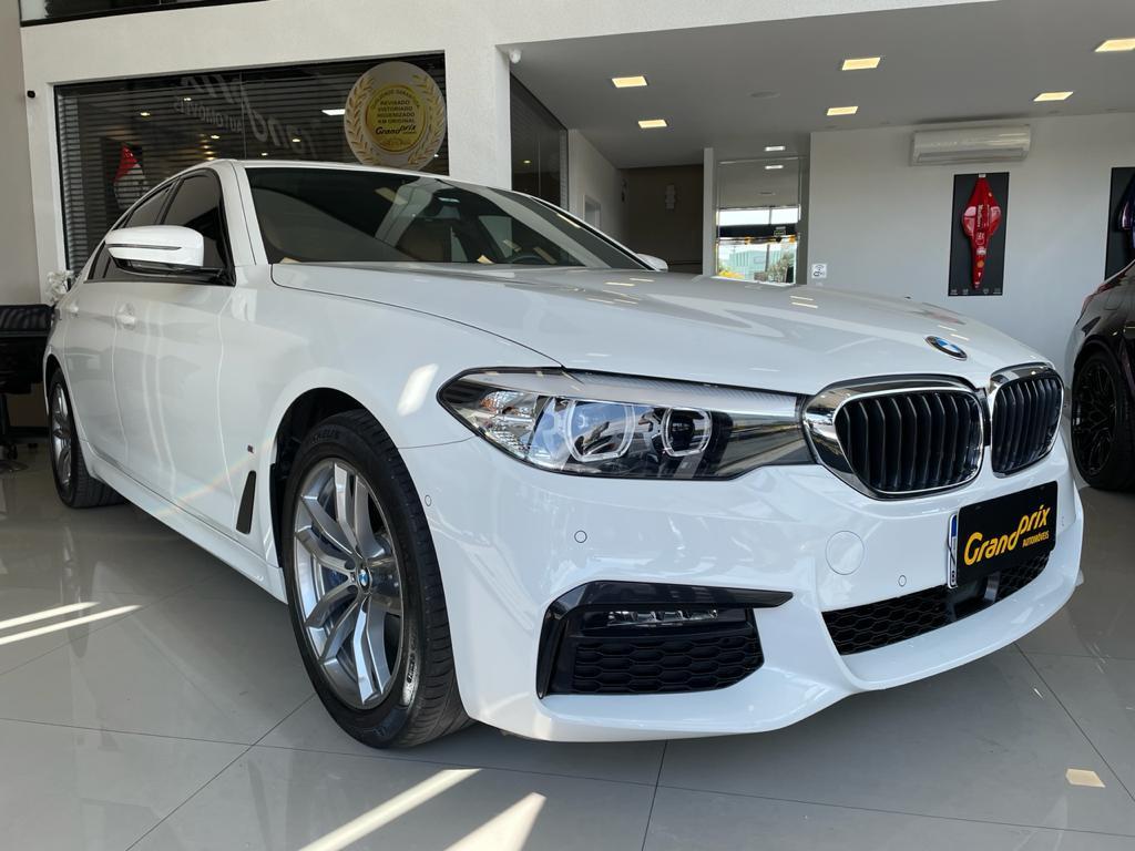 BMW 530e 2020 2.0 16V TWINPOWER HÍBRIDA M SPORT AUTOMÁTICA BRANCA TOP DE LINHA + TETO SOLAR!