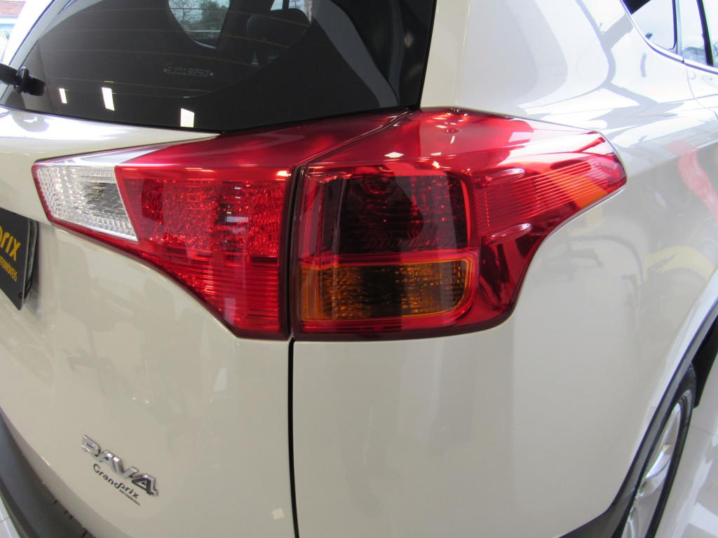 Imagem do veículo RAV4 2.0 2015 4X2 16V GASOLINA 4P AUTOMÁTICO BRANCA COMPLETA ÚNICO DONO!