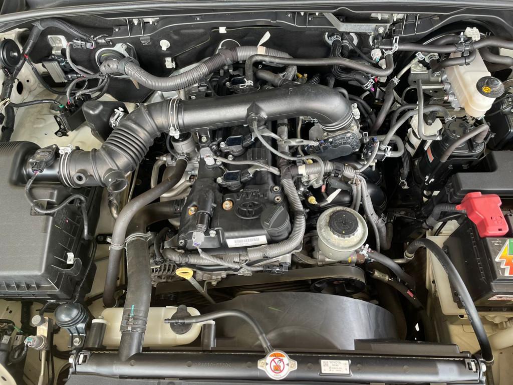 Imagem do veículo HILUX SW4 2017 2.7 SR 4X2 16V FLEX 4P AUTOMÁTICA BRANCA COMPLETA ÚNICO DONO!