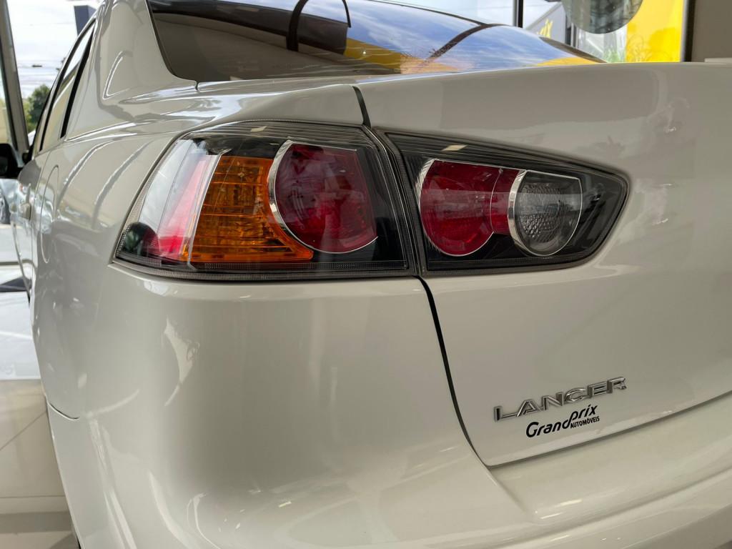 Imagem do veículo MITSUBISHI LANCER 2014 2.0 16V GASOLINA 4P AUTOMÁTICO BRANCO COMPLETO!