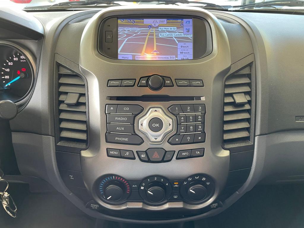 Imagem do veículo FORD RANGER 2015 3.2 XLS 4X4 CD 20V DIESEL 4P AUTOMÁTICA PRATA COMPLETA ÚNICO DONO!