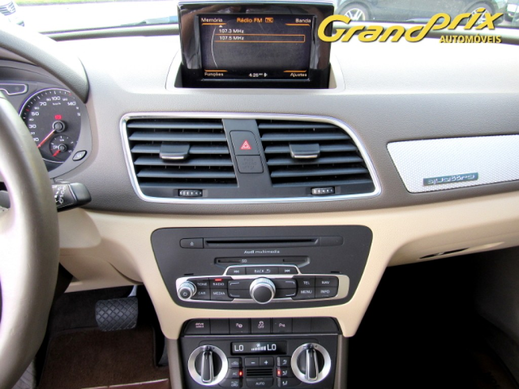 Imagem do veículo AUDI Q3 2.0 TFSI AMBITION QUATTRO 211CV S-TRONIC 4P GASOLINA BRANCA  COMPLETA + TETO SOLAR ÚNICO DONO!