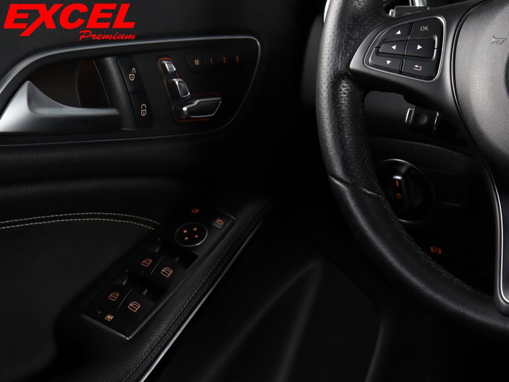 Imagem do veículo MERCEDES-BENZ CLA 200 1.6 VISION 16V FLEX 4P AUTOMÁTICO