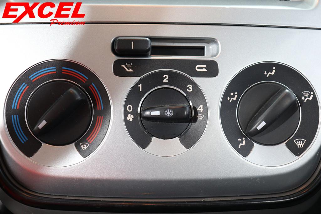 Imagem do veículo FIAT PUNTO 1.4 ELX 8V FLEX 4P MANUAL