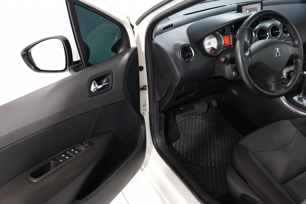 Imagem do veículo PEUGEOT 308 2.0 ALLURE 16V FLEX 4P AUTOMÁTICO