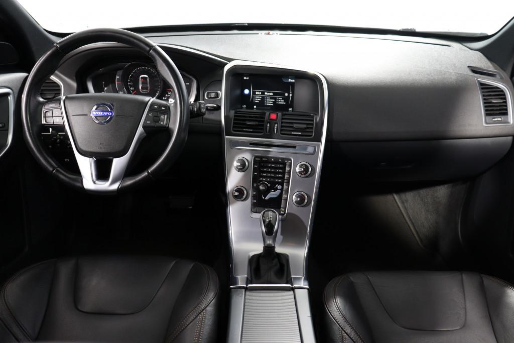 Imagem do veículo VOLVO XC60 2.4 D5 MOMENTUM DIESEL AWD 4P AUTOMÁTICO