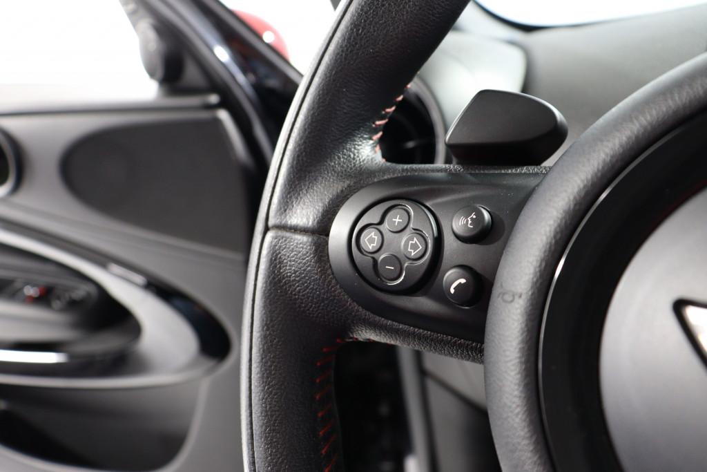 Imagem do veículo MINI JOHN COOPER WORKS 1.6 PACEMAN 4X4 16V GASOLINA 2P AUTOMÁTICO