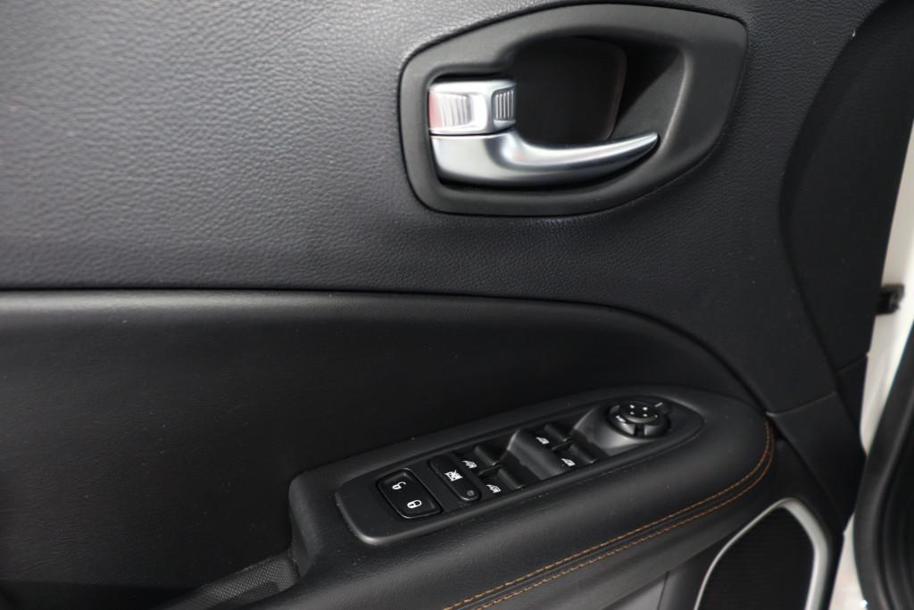 Imagem do veículo JEEP COMPASS 2.0 16V FLEX LIMITED AUTOMÁTICO