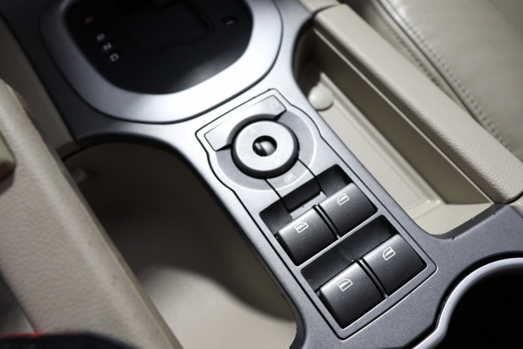 Imagem do veículo CHEVROLET OMEGA 3.6 SFI CD V6 24V GASOLINA 4P AUTOMÁTICO - BLINDADO